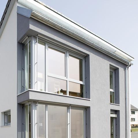 Профильная система REHAU GENEO Rau-Fipro X для остекления загородного дома