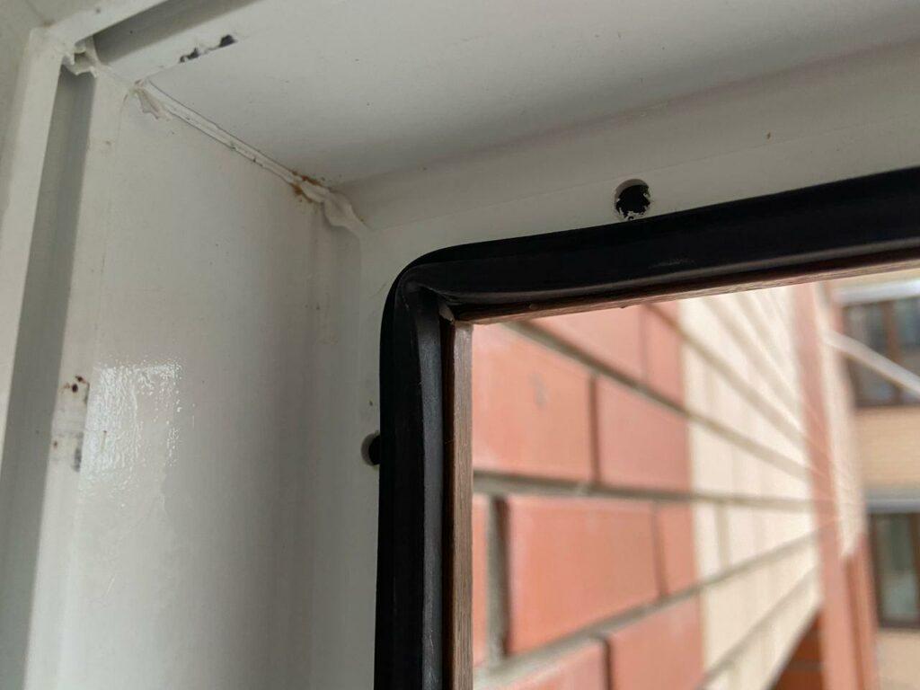 Замена уплотнителя в пластиковом окне в городе Днепр