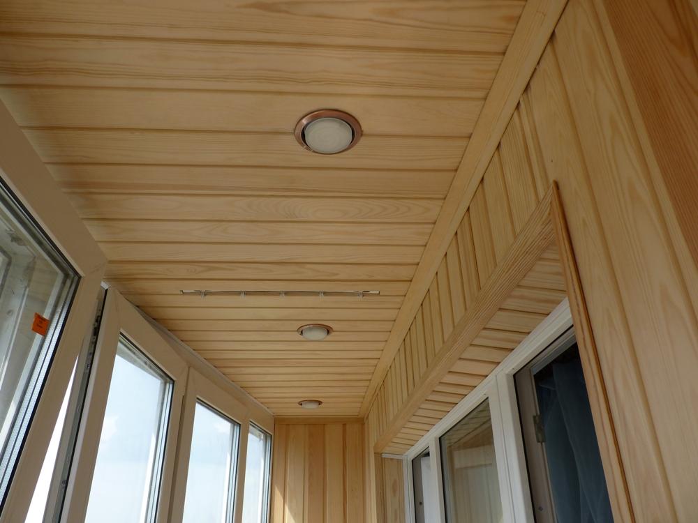 Утепление потолка на балконе деревянной вагонкой